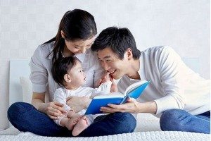 mother-father-child-reading